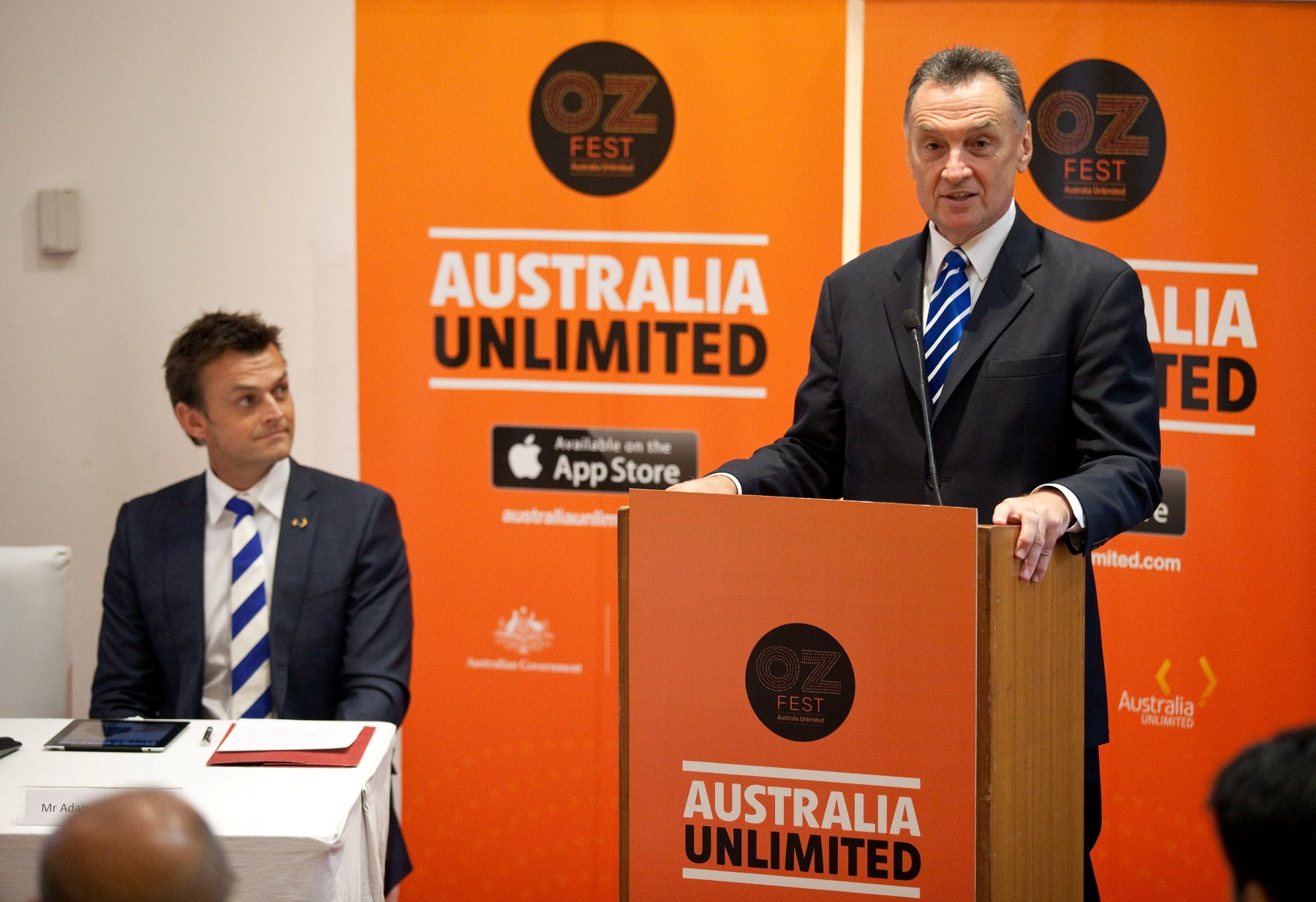 Adam Gilchrist & Hon Dr Craig Emerson at the launch of Australia Unlimited 2