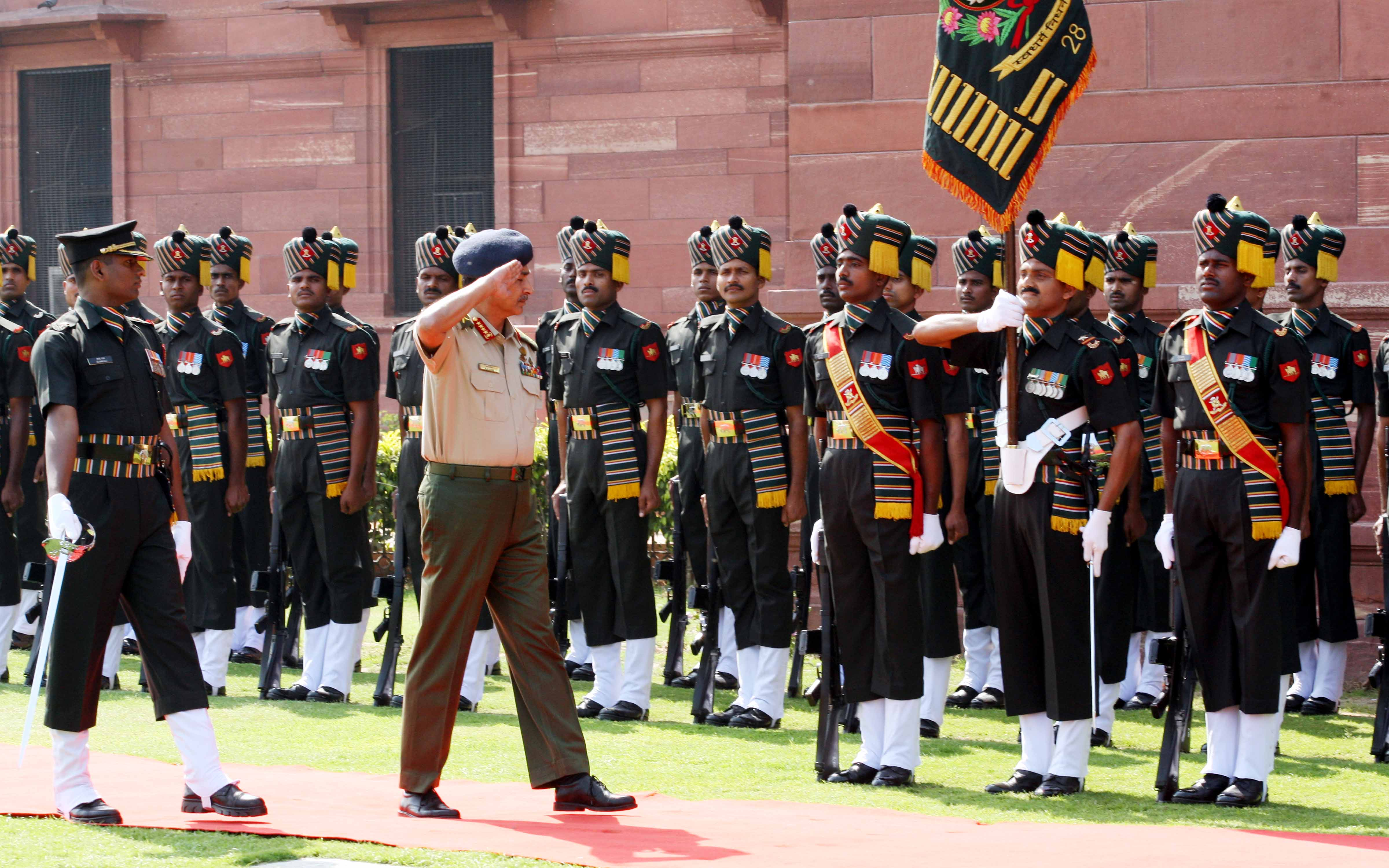 Bangladesh Army Chief Gen Iqbal Karim Bhuiyan inspecting Guard of Honour at South Block lawns  New Delhi  today