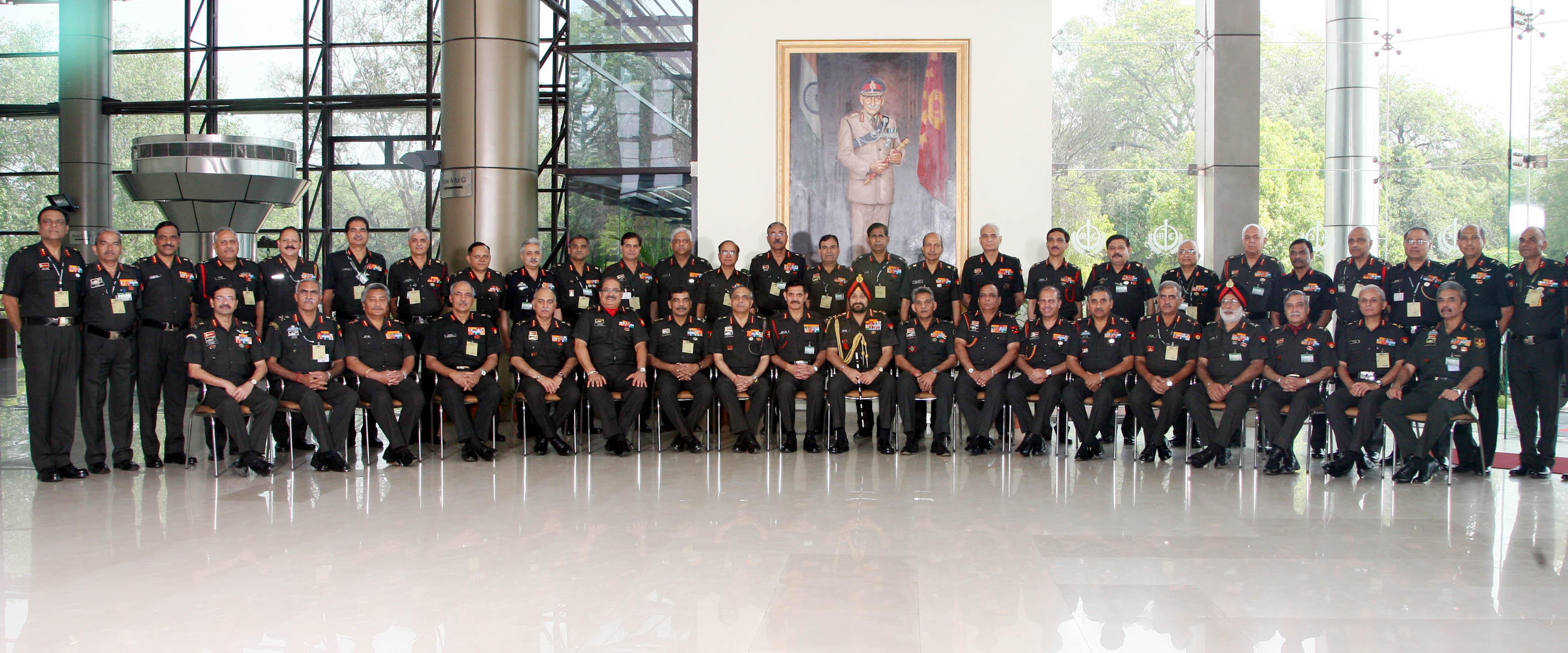 The_COAS_with_Army_Commanders _DGs_&_PSOs_at_Army_Commanders'_Conference _23_Apr_14 in New Delhi (2)
