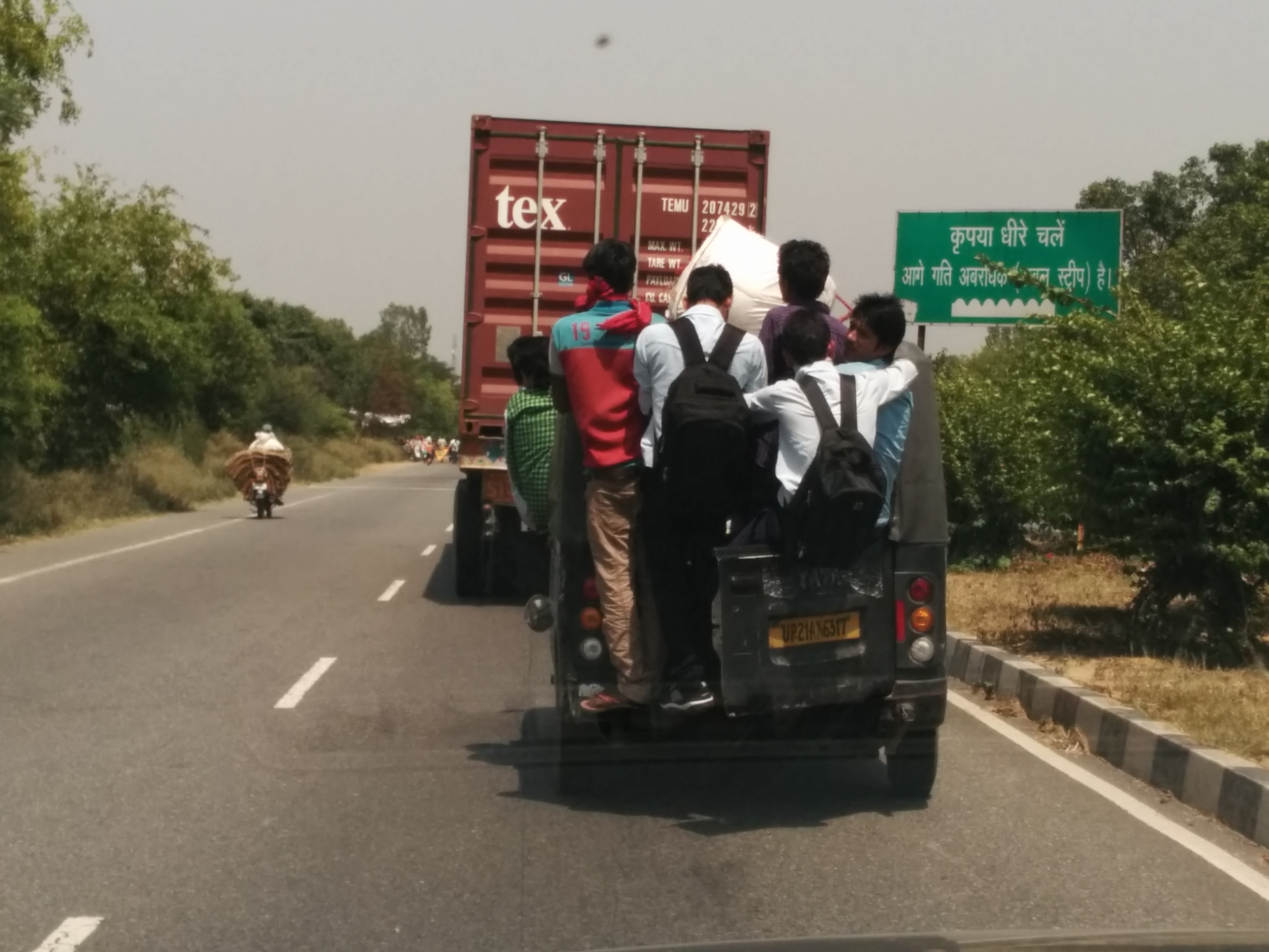 Overcrowding on vehicles_Autocar India Uncool Moments