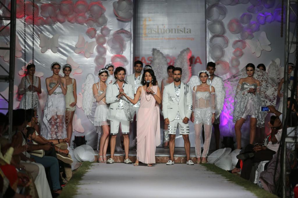 Shivani Wazir with Models
