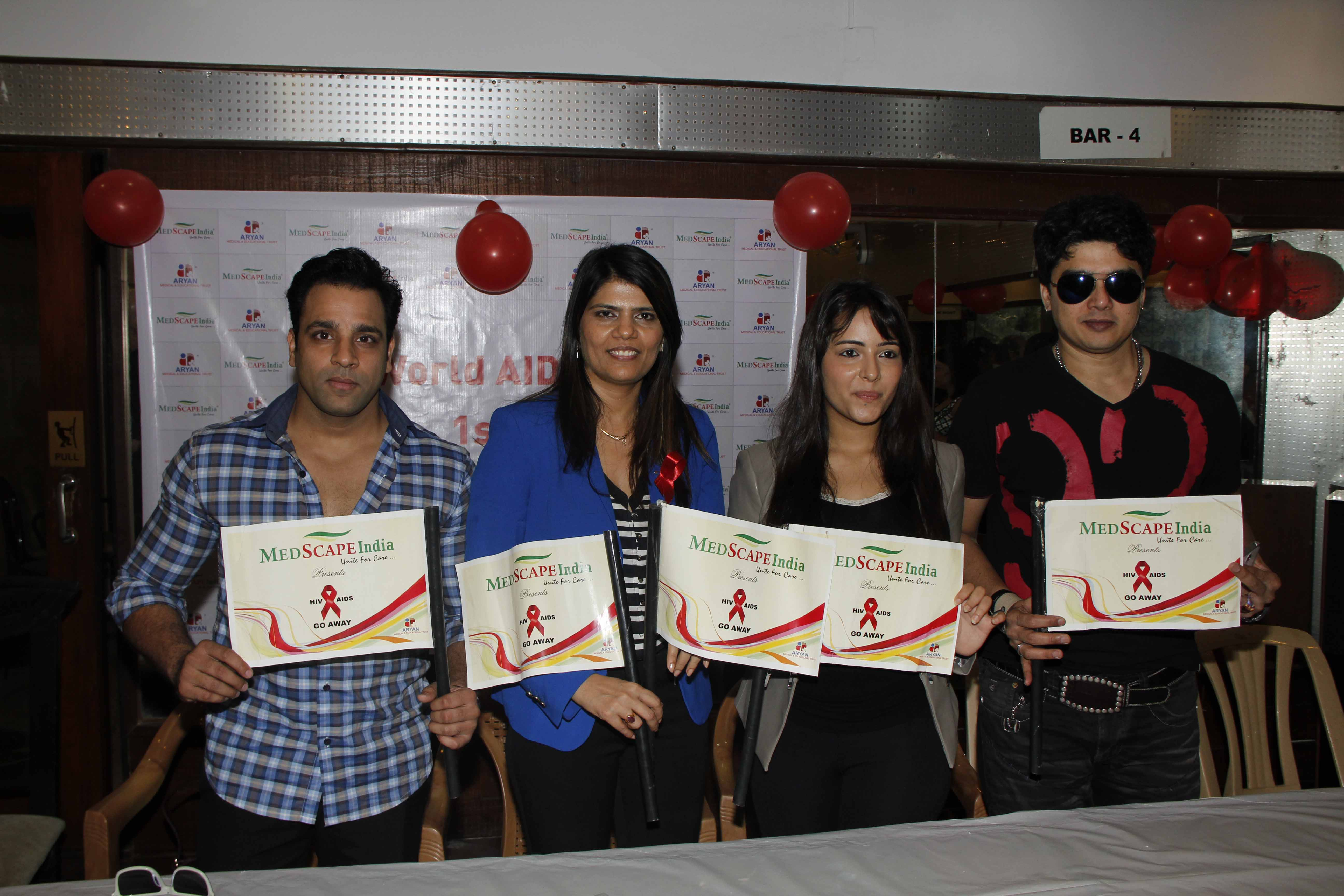 Abhishek Avasthi  Dr Sunita Dube  Aanchal Munjal With Harish At World AIDS Day Event