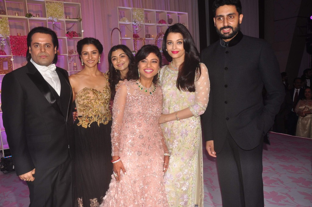 Abhishek Bachchan with Aishawarya Rai Bachchan at Uday Singh and Shirin recepetion Party