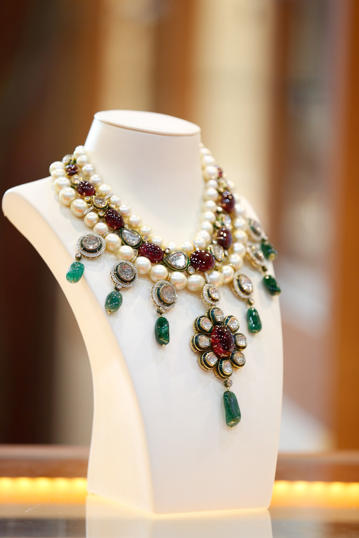 Inspired by designs worn by Indian royalty, Bharnay's unique piece from the Royal Jewels Collection contains old diamonds, emeralds, rubies and classic pearl drops. The set retails for AED 239,000.