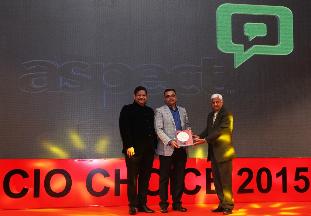 Mr. Sanjay Gupta  MD ASEAN India & Middle East Aspect Software receiving the CIO Choice Award