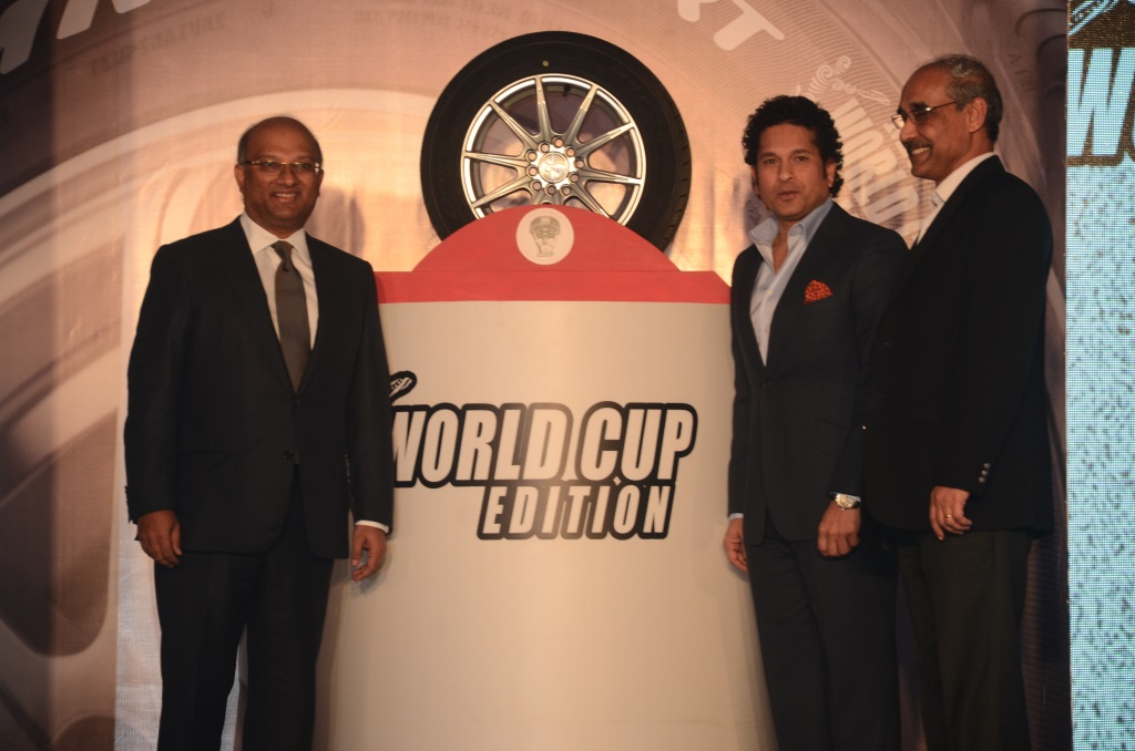 Sachin Tendulkar  Mr Arun Mammen  MD  MRF Ltd & Mr Koshy Varghese  EVP Marketing  MRF Ltd with the newly launched MRF_