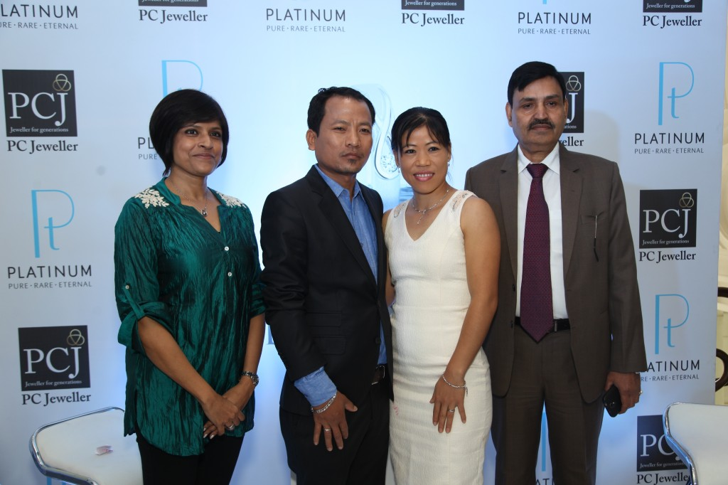 (Left to right) Ms. Vaishali Banerjee  Country Manager India  Platinum Guild International  Onler Kom  Mary Kom and M_
