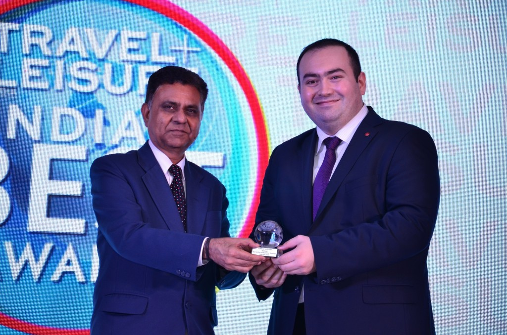 Lalit Panwar  Secretary Tourism  Gvt. Of India; Mr Ozer Guler  GM Turkish Airlines at the T+L India's Best Awards