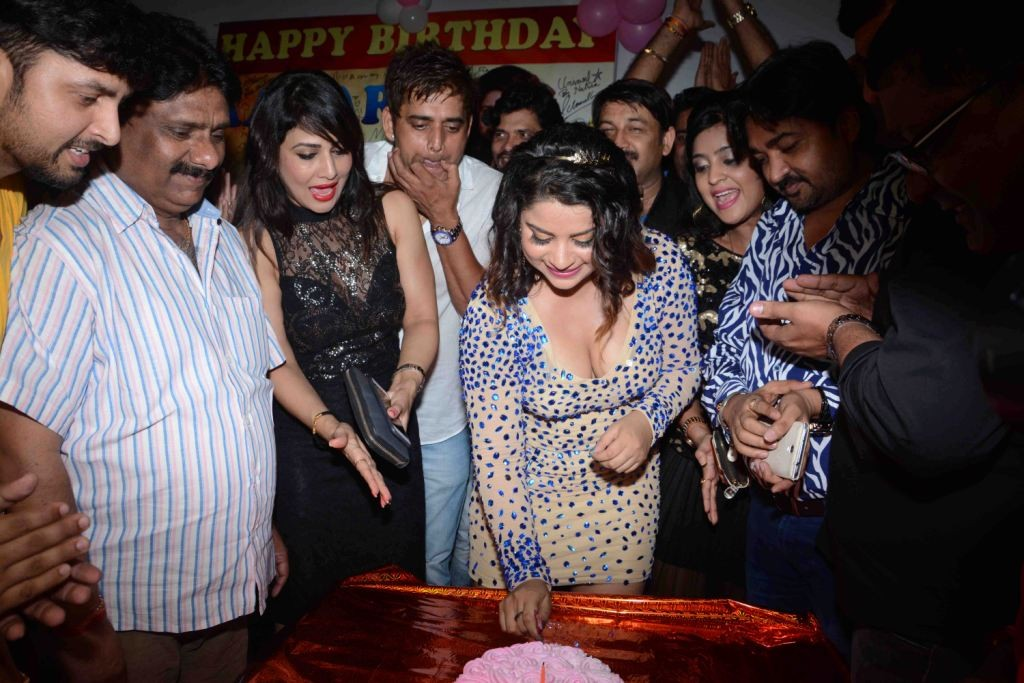 Actress Anara Gupta Birthday Bash