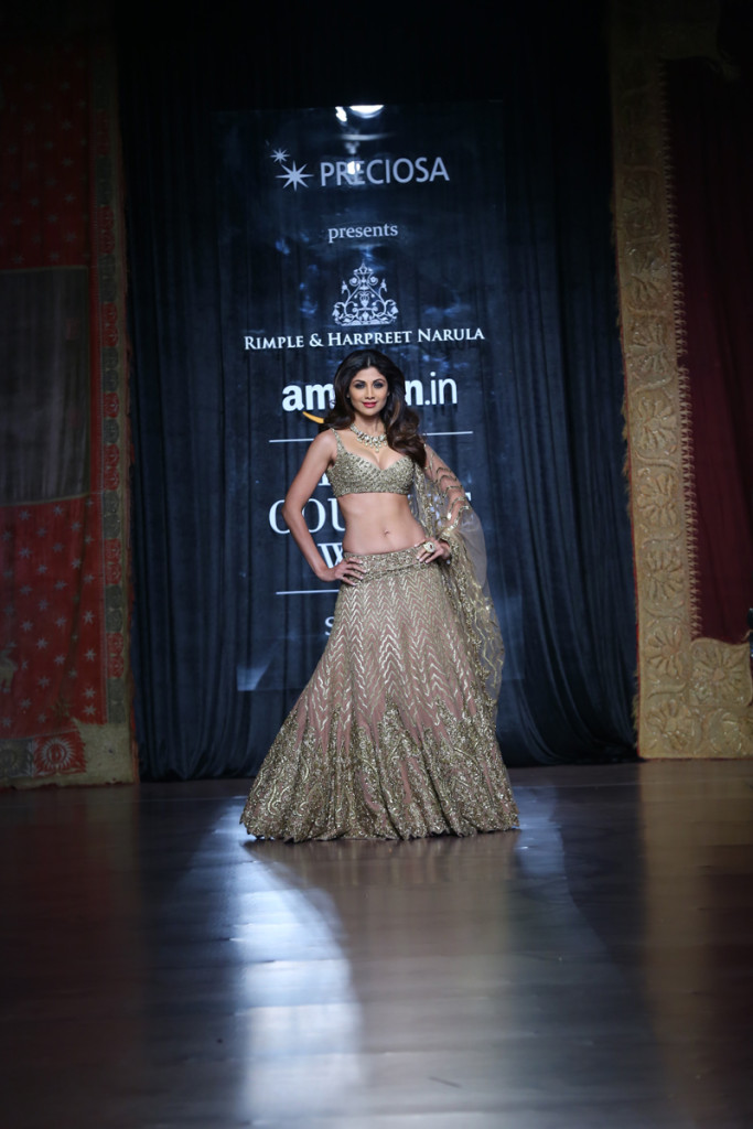 PRECIOSA Presents   Designer Rimple & Harpreet Narula   @ Amazon India Couture Week 2015 (3)