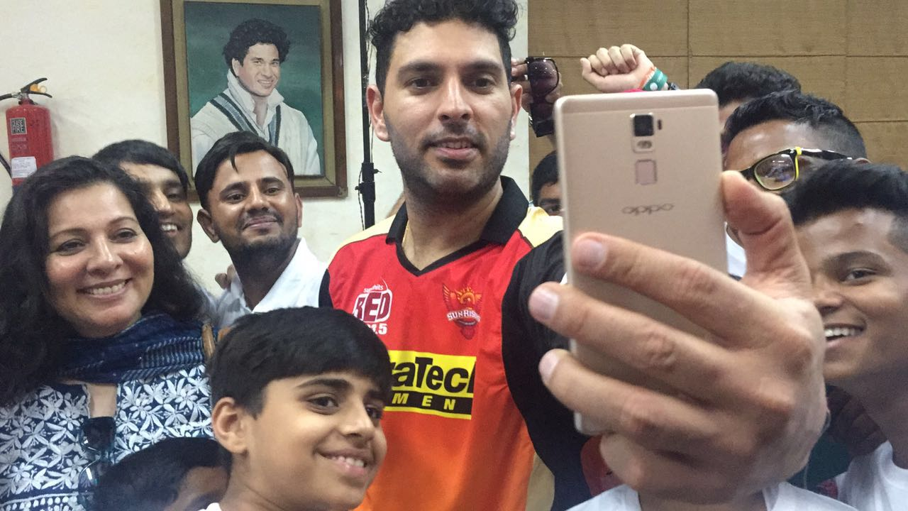 Yuvraj Singh  OPPO's First Sports Ambassador this cricket season  interaction and clicking selfies with the kids