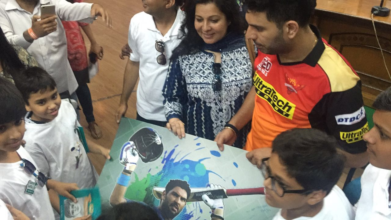 Yuvraj Singh  OPPO's First Sports Ambassador this cricket season  interaction with the kids
