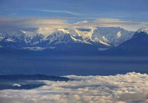 Kanchenjunga-Range--snow-capped-view.. Reference image from google