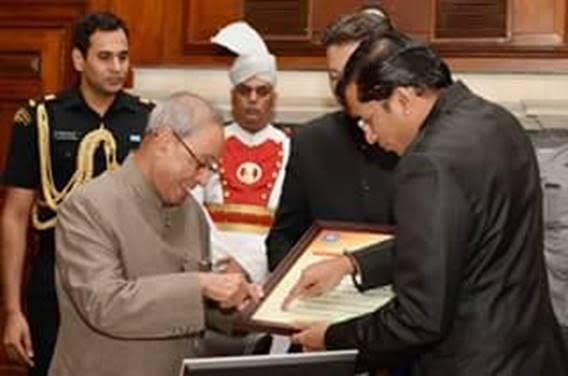 Presentation of of India Rising Universities to President Shri Pranab Mukherjee