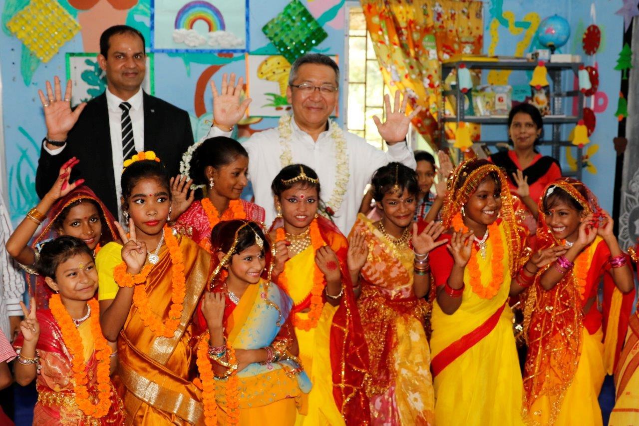Canon India  President & CEO  Mr. Kazutada Kobayashi nurturing talent amongst children and leading way to their holis_