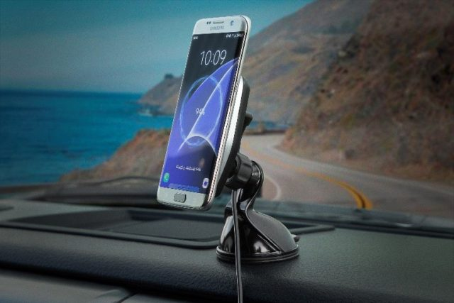 magicmount-charge_car