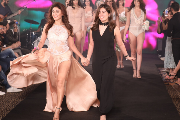 An Alluring Evening Of Unlimited Glamour And Style India S First Intimate Fashion Week Iifw Core Sector Communique